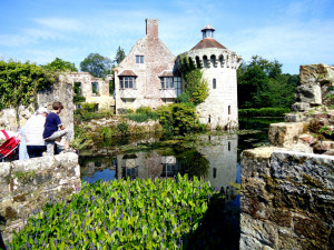 """Midsummer Night's Dream"" at Scotney Castle"